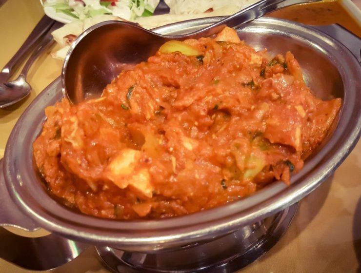 Handi Cuisine Chicken Tikka Masala served on a simmering pot